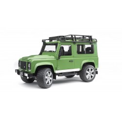 Land Rover Defender Bruder 1:16