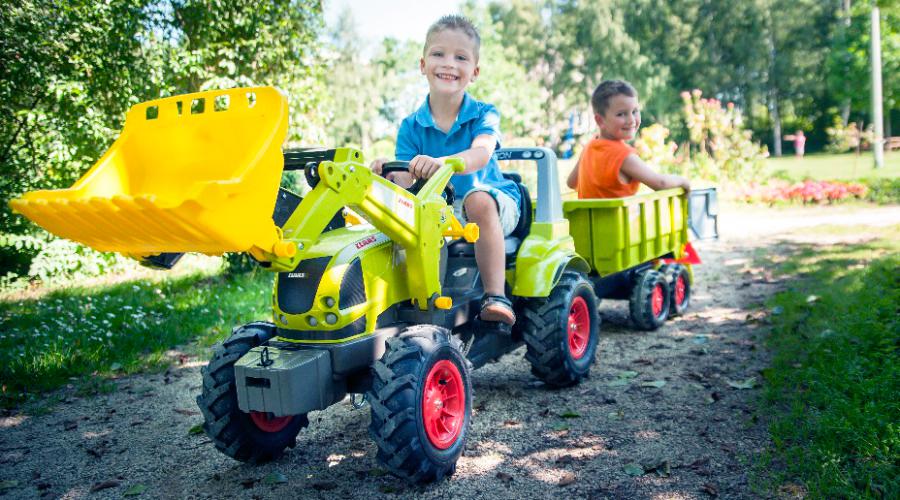 rollytoys tracteur à pédales